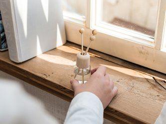 消臭や虫除けにも あると便利なアロマスプレーの作り方 アロマ アロマオイル 玄関 アロマ