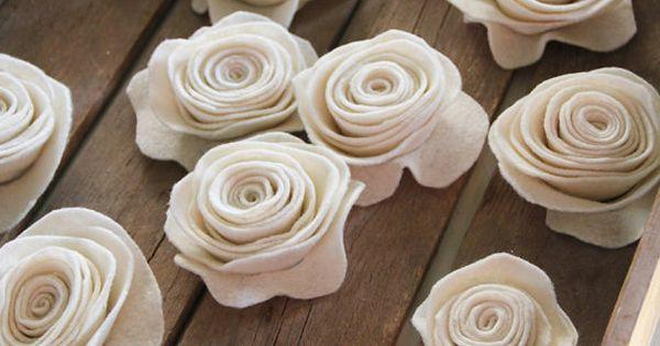 Online tutorial to make felt roses.