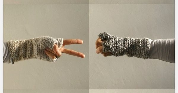 Cozy Hand and Wrist Sweaters pattern winter gloves