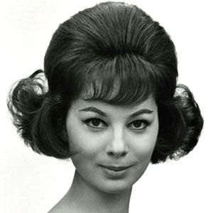 Women S Hairstyles Early 1960s 1960s Early Hairstyles Women Womenhairstyles 1960 Hairstyles 1960s Hair Vintage Hairstyles
