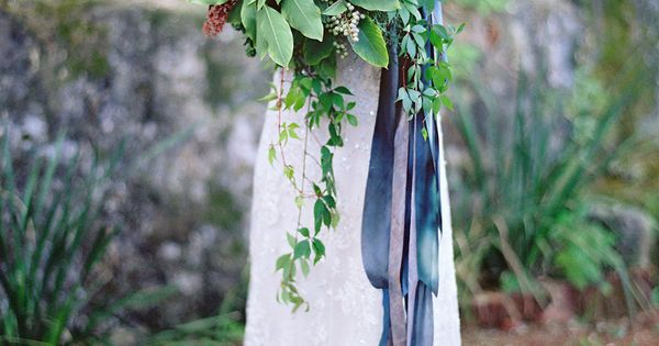 Inspiration comes in all shapes and sizes. Say, for instance, from a crazy gorgeous Mexico Workshop crafted by Jose Villa, Lisa Vorce, Mindy Rice Floral Design,