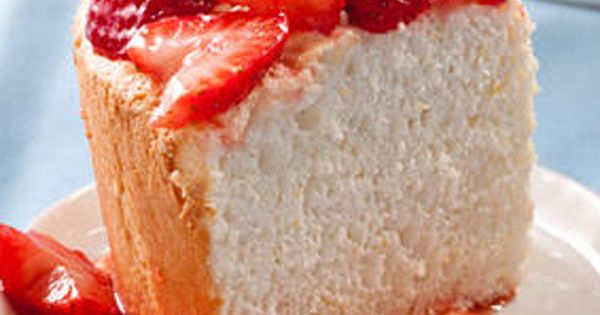 Cake with strawberries, Angel food cake and Food cakes on Pinterest