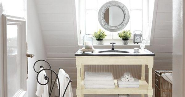Waschtisch Und Handtuchhalter Tamarin Badezimmer Loberon Bad Inspiration Waschtisch Wohnaccessoires