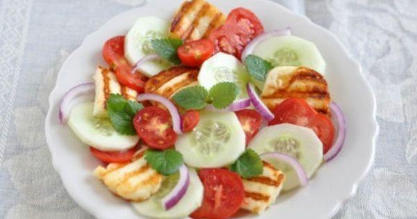 سلطة يونانية بجبن الحلوم Halloumi Delicious Kinds Of Salad