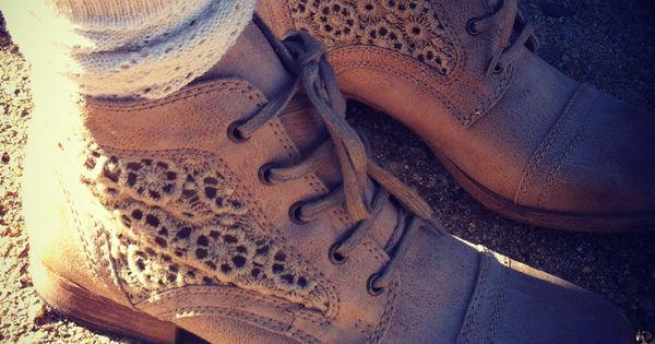 Cute Roxy Sloane boots