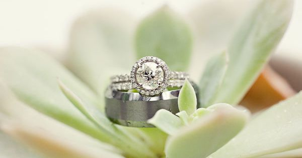 love this engagement ring!