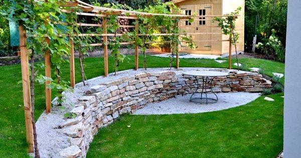 Treille avec vigne dans votre jardin faire une pergola for Bois flotte grossiste