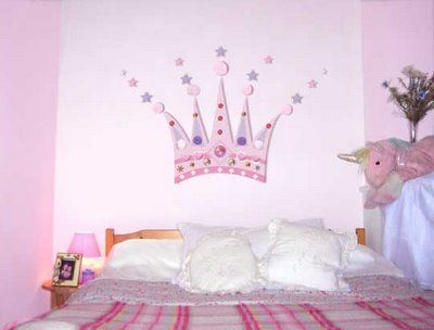 Diy Princess Crown Mural Design Dazzle Princess Theme Bedroom Diy Kids Decor Girl Bedroom Designs