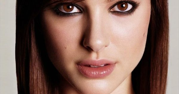 A different look of Natalie Portman - dark eyes