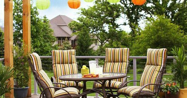 pergola selbst bauen ideen farbige pendelleuchten bunte gartenm bel pergola pinterest. Black Bedroom Furniture Sets. Home Design Ideas