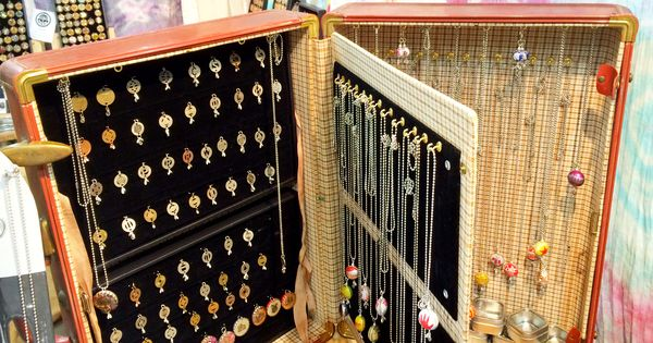 suitcase jewelry display with pages craft show. Black Bedroom Furniture Sets. Home Design Ideas