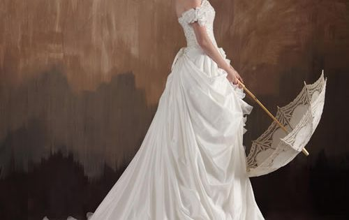 Vintage Wedding Dress #art #decor Www.vintagemaya.com