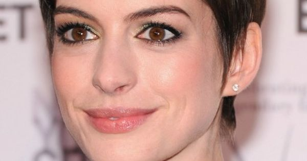 Anne Hathaway Short Hairstyles 2013