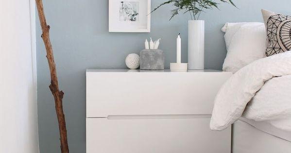 Schlafzimmer hellblaue Wand mit weißen Möbeln Livin - wandfarbe schlafzimmer weisse möbel