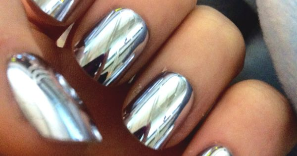 Metallic nails nailart