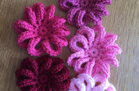 Loopy Flower For Februaryby Ali Crafts Designs This Pattern Crochet And Knit Pinterest