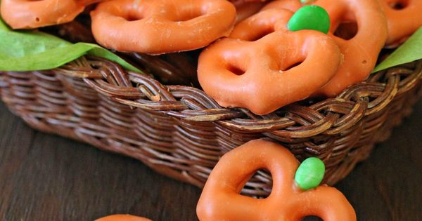 Pretzel Pumpkins - three ingredients and ten minutes are all you need! | from candy.about.com halloween fall candy