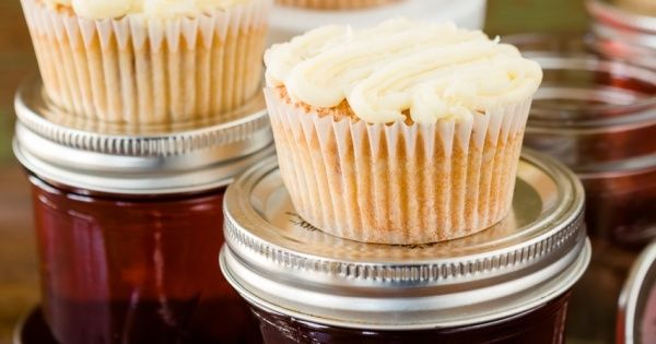 Moonshine and Sweet Tea Cupcakes. I'm not sure we could ...