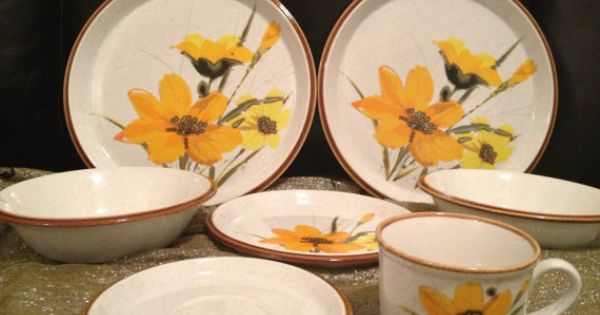 mikasa day lilies dimensions bone china dishes by. Black Bedroom Furniture Sets. Home Design Ideas