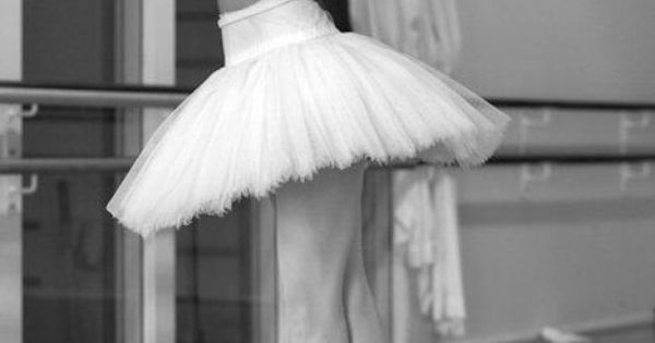 * Susanne Grinder rehearsing Swan Lake Copyright by David Amzallag *
