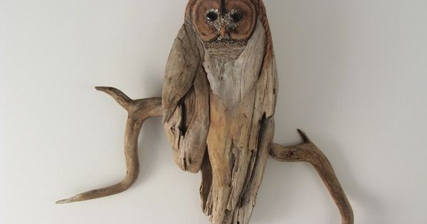Driftwood Owl. I love how it's attached to the branch. Clever. Need