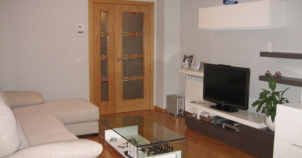 Paredes grises con muebles de salon blanco paredes for Isabel miro muebles