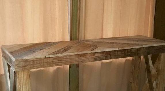 Entryway table pinterest paletten tisch diy m bel und for Schuhschrank umfunktionieren
