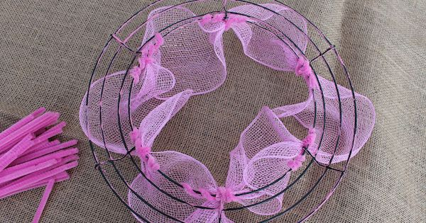 Miss Kopy Kat: How to Make Deco Mesh Wreaths
