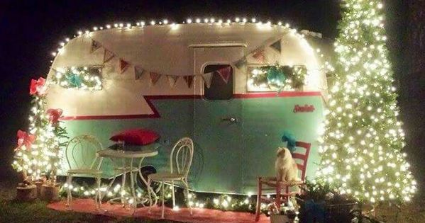 Love This Cute Vintage Camper All Decorated For Christmas