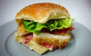 Jamie Oliver Member Recipes Chicken Schnitzel Burger Chicken Schnitzel Chicken Burgers Chicken Burgers Recipe