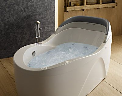 Whirlpool tub from albatros the thalia oval airpool tub for Whirlpool baths pros and cons