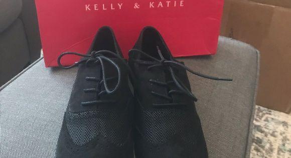 Katie Silidda Wingtip Oxford Shoes