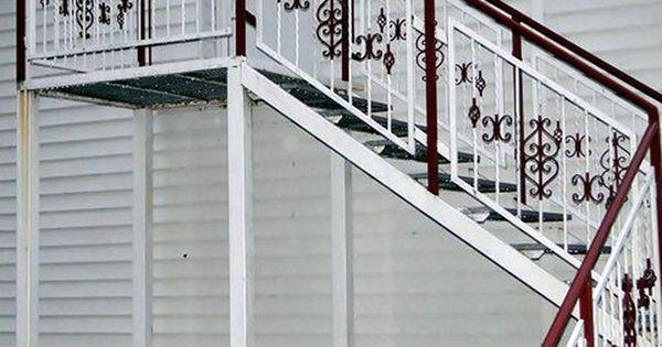 metalltreppen aus polen metallz une polen holzzaun bauen gartenm bel aus polen und holztore. Black Bedroom Furniture Sets. Home Design Ideas