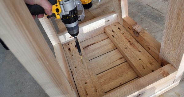 How To Make Super Simple Bar Stools Out Of Four 2x4 S Check Out The Free Plans And Video