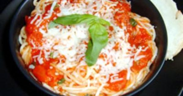#recipe food cooking Tomato and Garlic Pasta ;)