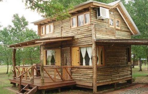 Peque a casa vacacional de madera r stica caba as - Casas rusticas de madera ...