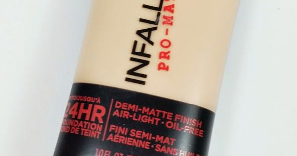 L'oreal Infallible Pro-Matte Foundation stays on for a long time with awesome