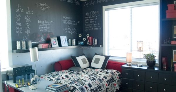 einrichtungsideen jugendzimmer tafelfarbe w nde schwarz rot kombination junge einrichten. Black Bedroom Furniture Sets. Home Design Ideas