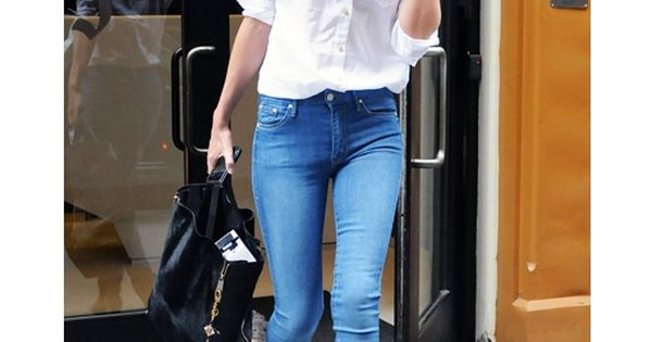 simple & chic white blouse & jeans
