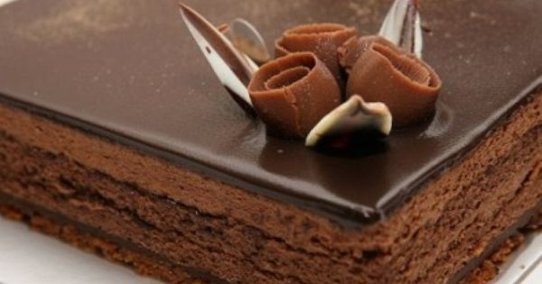 قالب الشوكولاته باليانسون والقرفة Tasty Chocolate Cake Chocolate Cake Recipe National Chocolate Cake Day