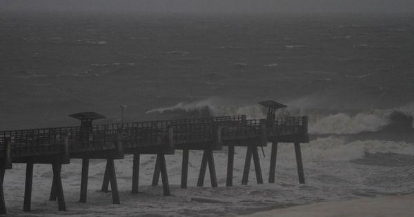 Jax Beach Pier Jacksonville Beach Pier Surfing Jacksonville Beach