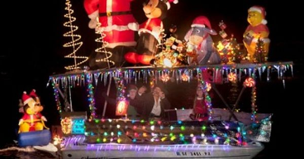 Newport Beach Christmas Boat Parade With Images Beach