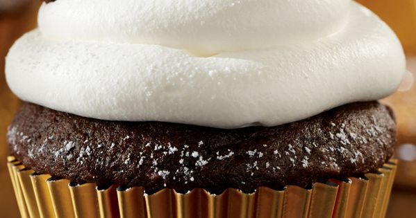 Maxwell house coffee, Sour cream chocolate cake and Mocha cupcakes on ...