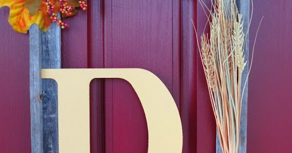 DIY: Picture Frame Wreath with Fall Leaves