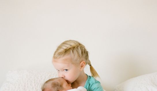 Newborn Photo Idea - Big Sister Kisses