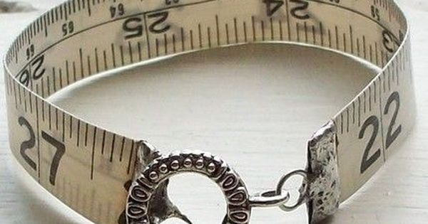 tape measure bracelet could easily be done with ribbon, craft paper run