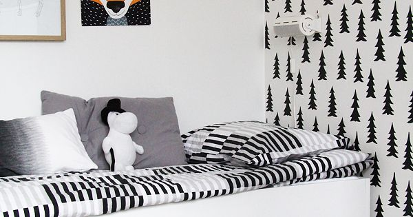 black and white kids room tree wallpaper kinderzimmer schwarz und wei baum tapete. Black Bedroom Furniture Sets. Home Design Ideas