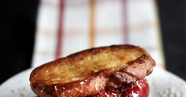 Brie grilled cheeses, Brie and Grilled cheeses on Pinterest
