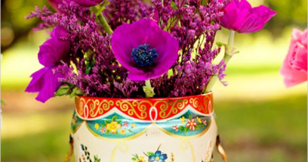 Vintage floral arrangement ideas-need to find some vintage tin cans!