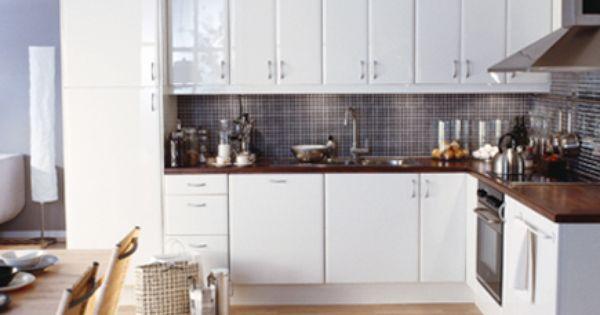 Kitchen ikea abstrakt high gloss white for Abstrakt kitchen cabinets